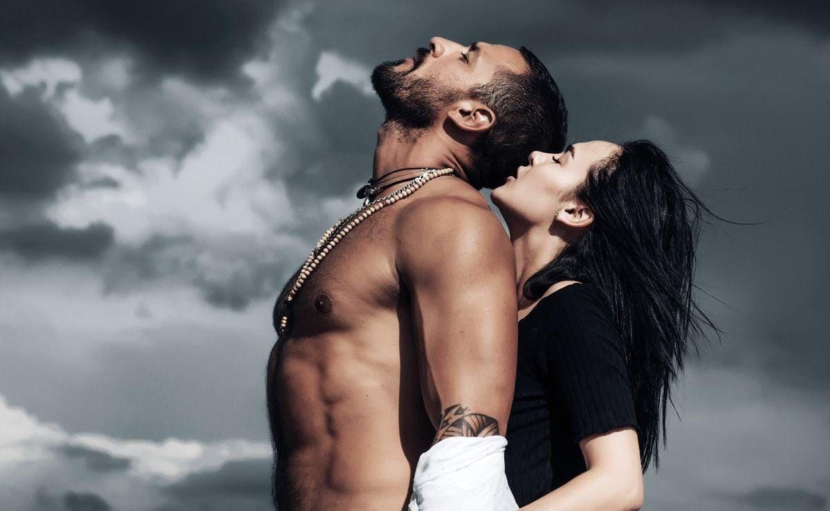 Muscular man and beautiful woman sex god method